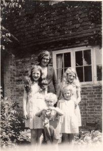 Rainbow Children at Prestwick. By height – Lorna, Hilary, Rosemary, Ruth, Geoffrey